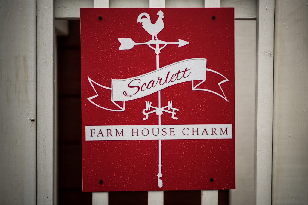 Scarlett - Farm House Charm